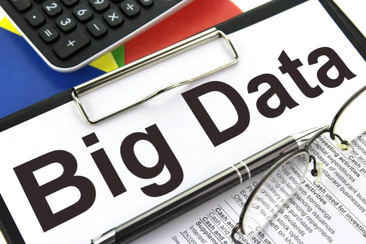 what's the relationship between machine learning and big data